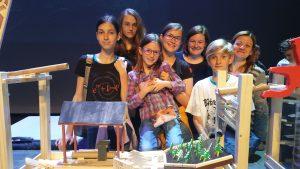 Naši učenci so v Cankarjevem domu predstavili svoj verižni eksperiment