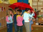 Prvošolci na gledališki predstavi