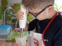 4. 1. 2021 – Bananino mleko nastalo pri sproščeni uri slovenščine